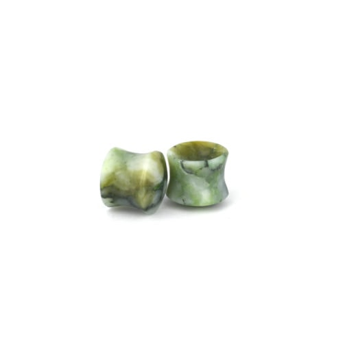 Bitroydial nephrite and diopside pounamu plugs for ears